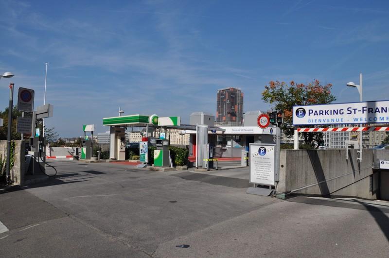 parking-saint-francois-exterieur-parc