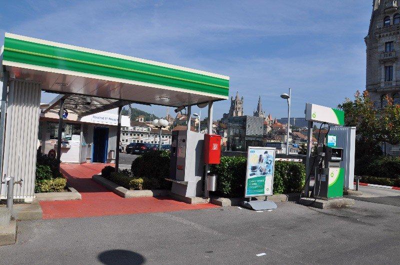 parking-saint-francois-exterieur-station
