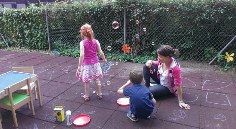 popins-garderie-lausanne-bourg-dehors-jardin-1024x559