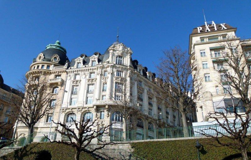 axa-winterthur-lausanne-facade