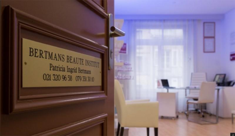 bertmans-beaute-porte-entree-enseigne-1024x593